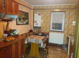 Vanzare  apartament  cu 4 camere  decomandat Dolj, Filiasi  - 50000 EURO