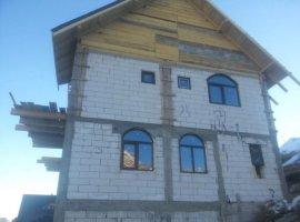 Vanzare  casa  8 camere Gorj, Ranca  - 85000 EURO