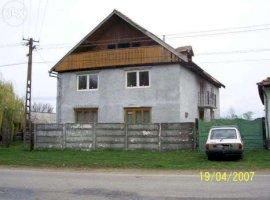 Vanzare  casa  6 camere Brasov, Fagaras  - 40000 EURO