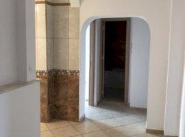 Inchiriere  apartament  cu 3 camere  decomandat Bucuresti, Decebal  - 600 EURO lunar