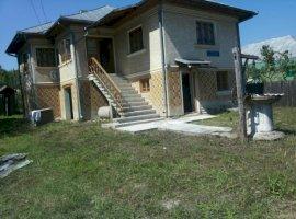 Vanzare  casa  7 camere Valcea, Tetoiu  - 14500 EURO