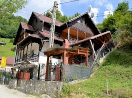 Vanzare  casa  8 camere Arges, Dambovicioara  - 95000 EURO