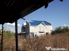 Vanzare  casa  8 camere Constanta, Amzacea  - 95000 EURO