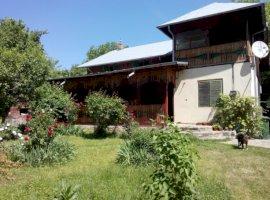Vanzare  casa  7 camere Prahova, Izvoarele  - 63500 EURO