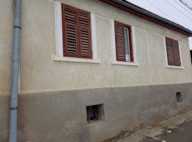 Vanzare  casa  3 camere Sibiu, Darlos  - 30000 EURO