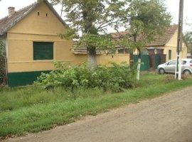 Vanzare  casa  6 camere Arad, Cuvin  - 21500 EURO