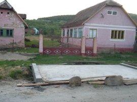 Vanzare  casa  2 camere Arad, Taut  - 9700 EURO