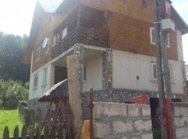 Vanzare  casa  5 camere Valcea, Vaideeni  - 70000 EURO