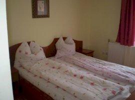 Vanzare  casa  10 camere Arad, Moneasa  - 160000 EURO