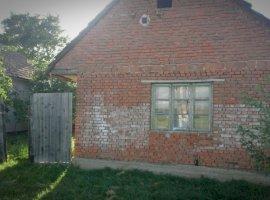 Vanzare  casa  3 camere Arad, Frumuseni  - 14000 EURO