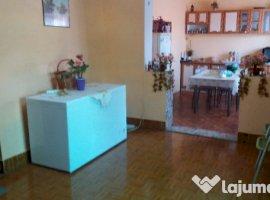 Vanzare  casa  6 camere Arad, Curtici  - 100000 EURO