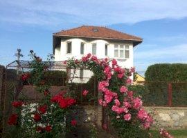 Vanzare  casa  3 camere Caras Severin, Moldova Noua  - 297000 EURO