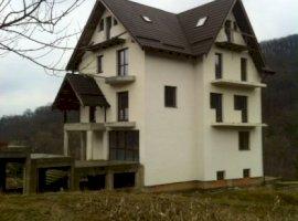 Vanzare  casa Bacau, Garleni  - 128000 EURO