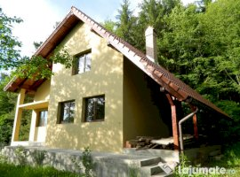 Vanzare  casa  3 camere Covasna, Chiurus  - 50000 EURO