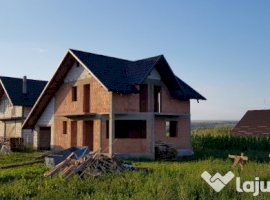 Vanzare  casa  4 camere Suceava, Ipotesti  - 55000 EURO