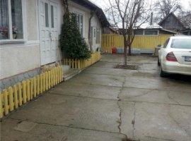 Vanzare  casa  3 camere Bacau, Caiuti  - 2200 EURO