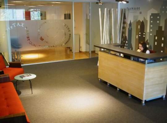 In vizita la Taxhouse: un birou circular si bancuri despre taxe