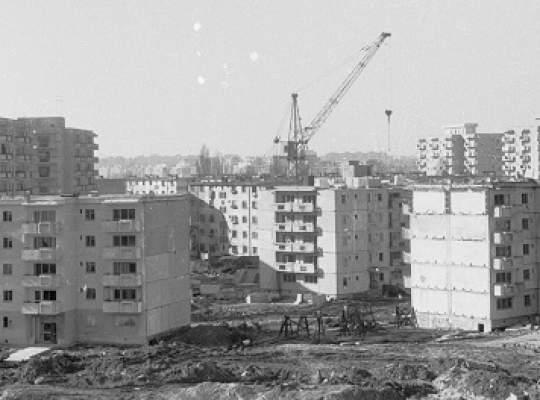 Fondul de locuinte construit in anii '80 nu a fost inlocuit