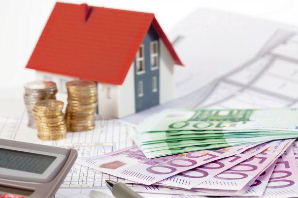 Efervescenţa pieţei imobiliare din primul semestru nu scumpeşte proprietăţile