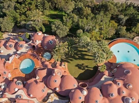 Casa Lui Pierre Cardin – Extravaganta Si Opulenta La Patrat!