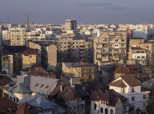 Ce proprietate poate cumpara o familie in Bucuresti cu venit net de 5000 de Lei? Dar una cu venit cumulat de 2400 Lei?