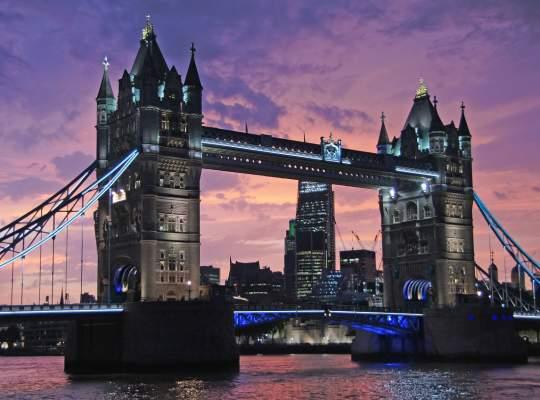 Londra: scadere de 15% pe piata imobiliara in ultimul an!