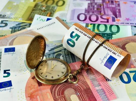 Proiect de lege: Romanii ar putea primi vouchere de 2250 Euro pentru lucrari de sporire a eficientei energetice