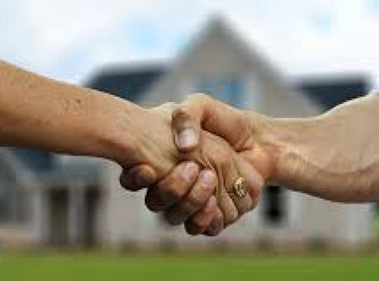 Numarul de tranzactii imobiliare din Romania continua sa scada. Cu 10% mai putine vanzari in iunie fata de luna mai